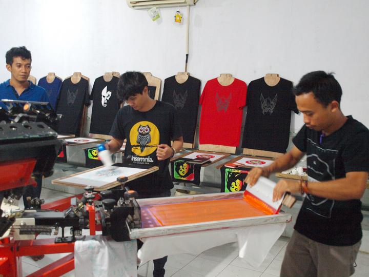 Grosir Baju Distro Cimahi Murah Produsen Kaos Distro Sablon Timbul